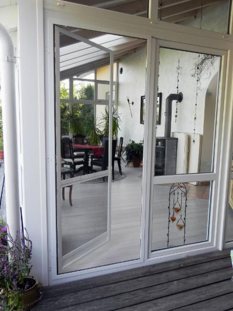 easyp insekten und pollenschutz tom hausservice. Black Bedroom Furniture Sets. Home Design Ideas